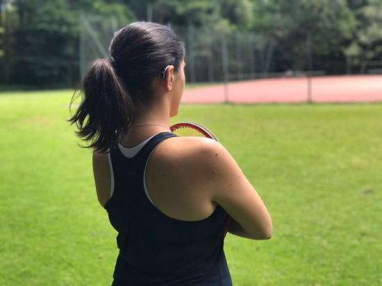 A tenista Mariana Matias, que tem deficiência auditiva