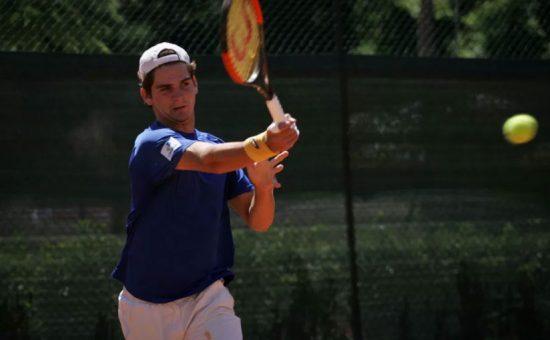 Thiago Wild treina em Santa Croce, na Itália, onde conquistou importante título juvenil