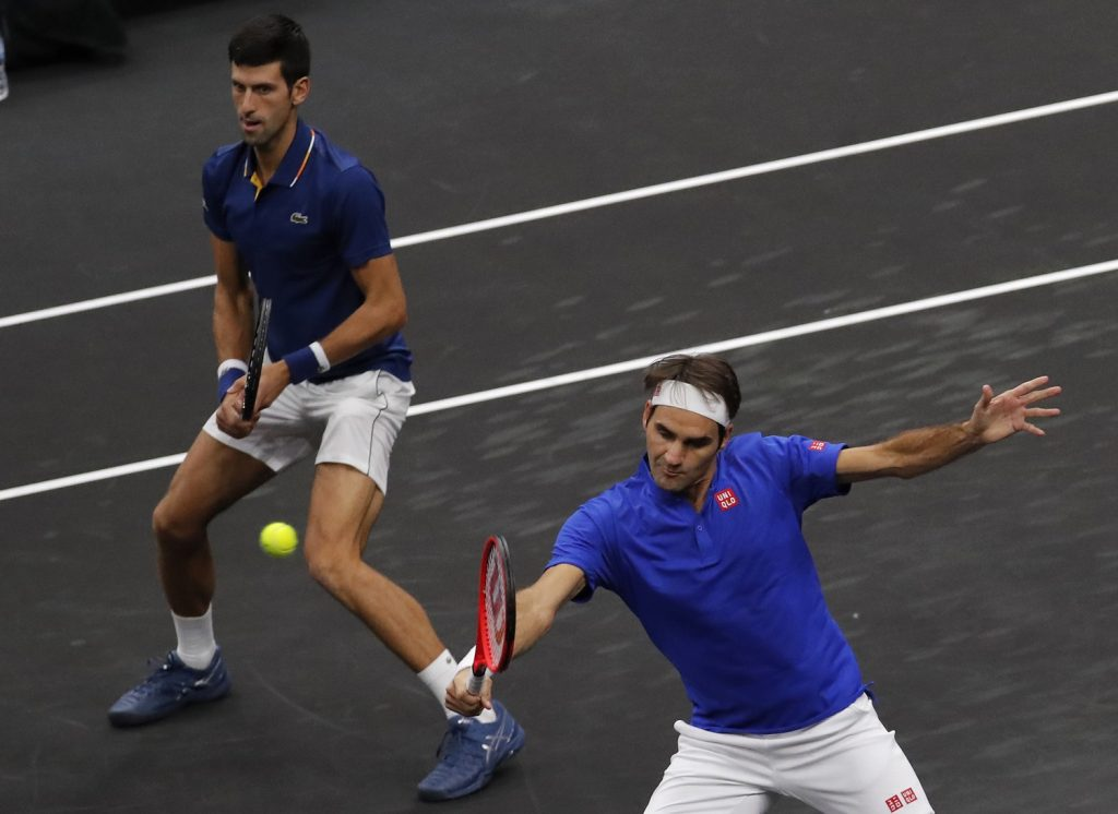 Federer e Djokovic jogam duplas em parceria na Laver Cup (Jim Young - 21.set.18/Associated Press)